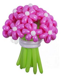 Розовые цветы из шаров