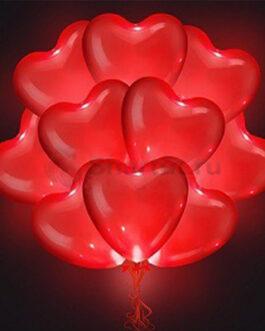 Облако из 15 светящихся красных сердец