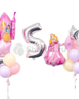 Композиция из шаров с цифрой и принцессами
