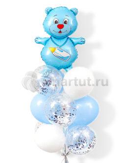 Композиция из шаров с мишкой для мальчика