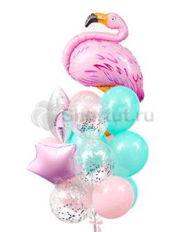 Композиция из шаров с фламинго и звездами