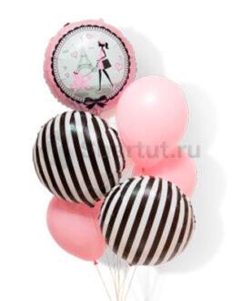 Композиция из шаров с полосатыми шарами и картинкой