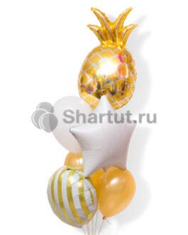 Композиция из шаров с золотым ананасом