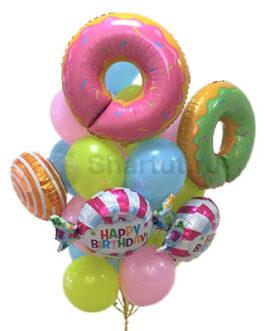 Композиция из шаров с пончиком