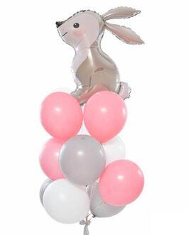 Композиция из шаров с зайчонком